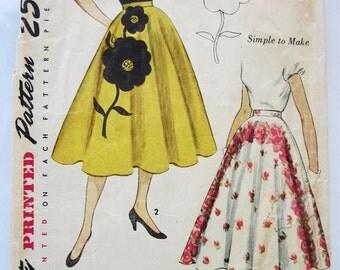 50s Simplicity 3560 Circular Skirt with Flower Transfer Waist 27 Hip 33