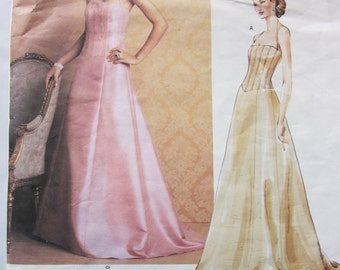 Vogue American Designer 2732 Badgley Mischka Evening Halter Dress with Flared Skirt and Princess Seams Size 6 8 10 Bust 30 31 32