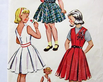 50s McCalls 1827 Girls Sundress or Jumper with Pleats Size 10 Breast 28