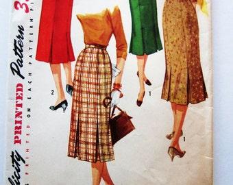 50s Simplicity 1731 Slim Skirt with Lower Edge Pleats  - Waist 25 Bust 34