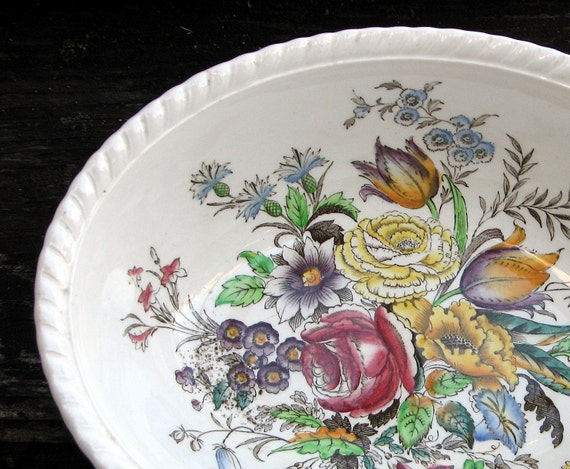 Antique Garden Bouquet Oval Vegetable Bowl Johnson Brothers