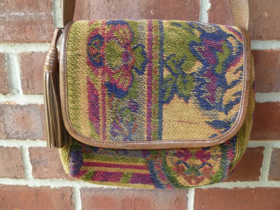 Bag, Tapestry Floral Fabric shoulder bag/purse with Genuine Leather trimming and a large leather tassel, multicolor