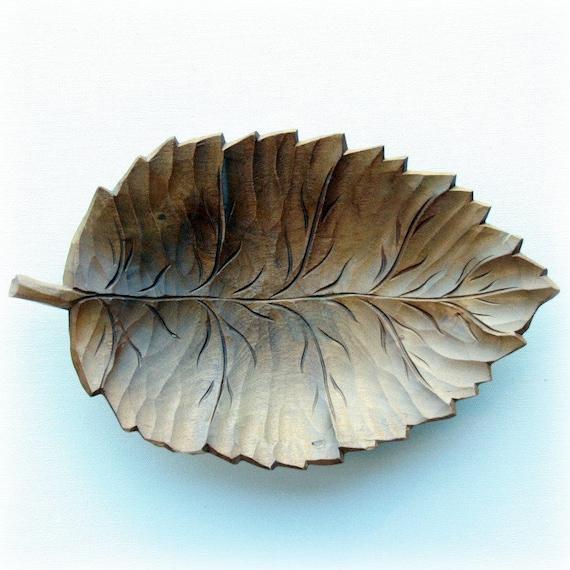 Wooden bowl leaf shaped carved vintage