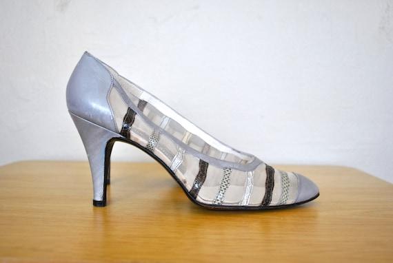 Vintage Shoes / Sheer Mesh Size 5.5 Vintage Shoes / Grey and Black Vintage Heels