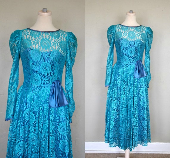 CLEARANCE  1970s Lace Dress / Blue Lace Dress / 1970s Dress / Lace Formal Dress / Turquoise Party Dress
