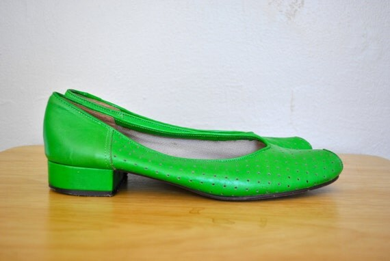 Green Pappagallo Leather Flats / 1970s Size 8 Ladies Shoes / Green Summer Peep Toe Flats