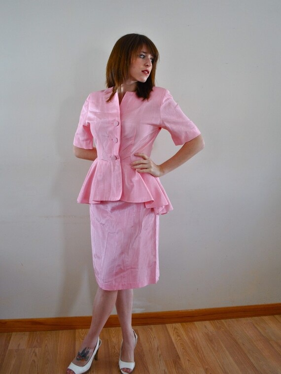 Vintage Peplum 1950s Light Pink Suit / 1950s Dress / Mad Men Ladies Sexy Suit