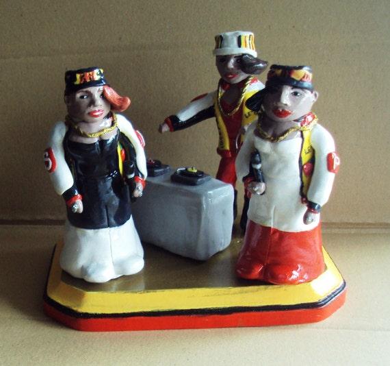 Items Similar To Salt N 39 Pepa Salt And Pepper Shakers On Etsy