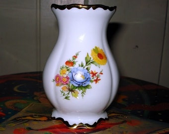 22K Gold  porcelain vase made in Germany