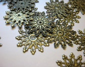 Spacer Beads or Bead Caps Filigree Snowflakes x 100 pcs in Antique Bronze, Red Copper or Gold