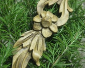 Wood Flowers - handcarved made from reclaimed wood - ecofriendly home decor - TheWoodenBee