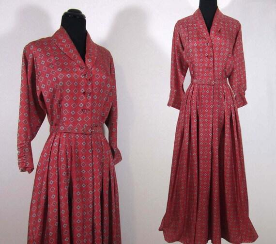 1940s Silk Dressing Gown - BONWIT TELLER  - Long Flowing Dress - XS-S size