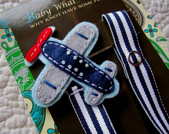 Boy Pacifier Clip, Airplane Pacifier Clip, Pacifier Holder, Binky Clip, Baby Gift, Paci Clip, Universal Pacifier, Binky Holder, pcplane01