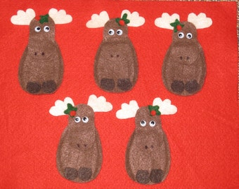 5 Moose Felt Finger Puppets with laminated rhyme