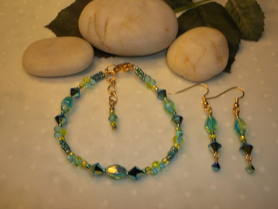 ON SALE! Pretty Peacock And Lime Beauty Bracelet And Earrings