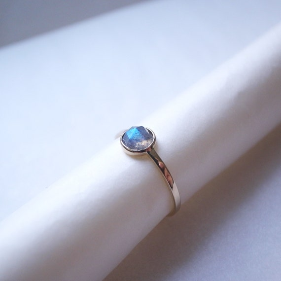 Rose cut labradorite ring - 14k yellow gold