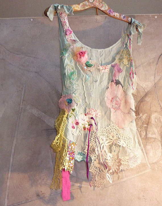 SUMMER TIME Beautiful Boho Country Top Hippi  Vintage Antique Lace Pink Velvet Rose  Floral