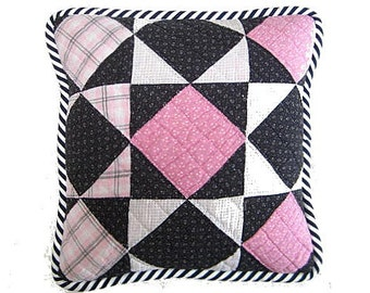Retro Pillow Cover, 20 Inches, Vintage Quilt, Graphic Design in Pink & Black, Jumbo Striped Piping, Shabby Chic, Broken Dishes Pattern