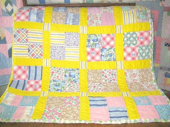 Vintage Quilt, Comforter, 1930s-1940s Graphic Fabric, Bright Yellow, 4 Patch, Twin- Double Size, Medium Wt., Clean, Excellent Condition