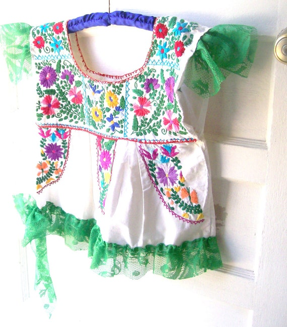 Vintage Boho Shabby Chic Cropped Peasant top Size Small Mexican wedding dress Altered