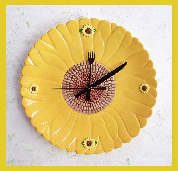 Kitchen Wall Clock Daisy Design