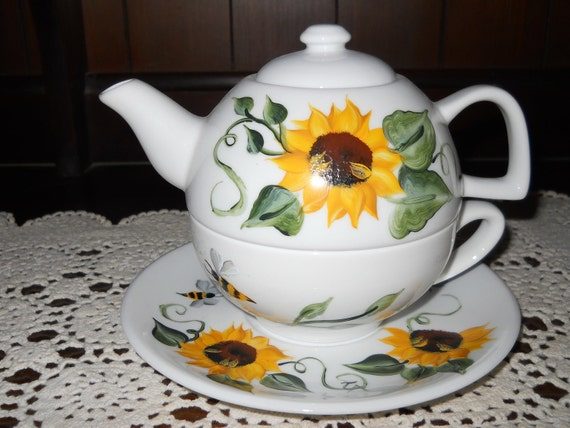 Mother's Day Tea for One Teapot Set Elegant Bee, Sunflower Design