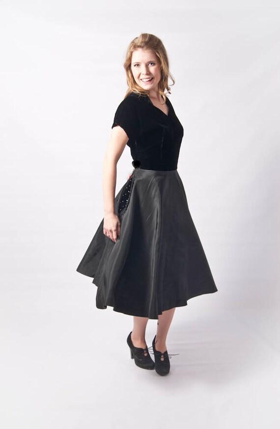 SALE // Vintage 1940's 1950's Swing Dress // Velvet and Taffeta Full Skirt Pockets Pinup Cocktail Dress with Rhinestones M-l
