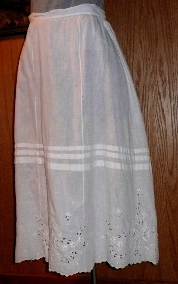 Vintage Edwardian White Cotton Embroidered Skirt or Petticoat
