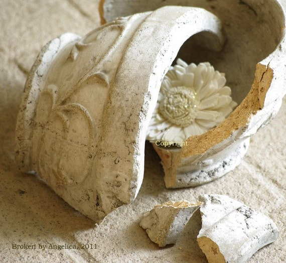 Ancient Ruins Clay Pot Ivory Flower Fine Art Photographie