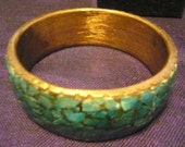 Vintage Cuff - Bracelet. Made in India 1970 'S. Dyed Bone Chips and Brass. Rare . Bali India Bollywood style