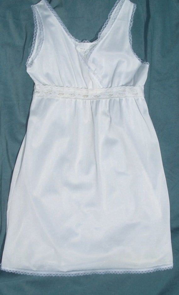 Little Girl's sz 8 vintage nylon slip