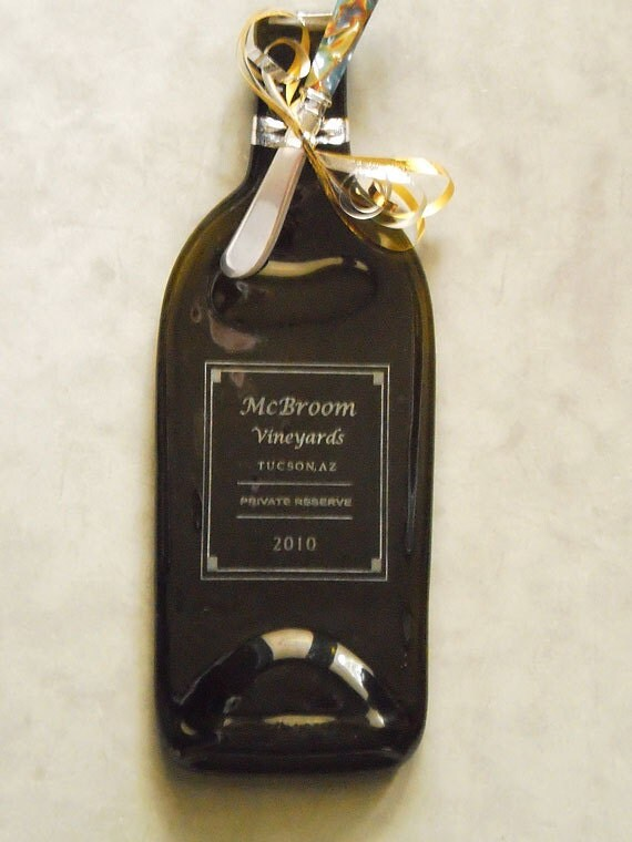 Family Wine Label Engraved on Flattened Recycled Wine Bottle - Tray - Personalized