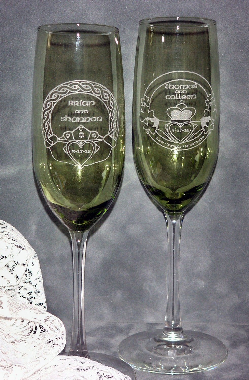 Irish claddagh wedding toasting champagne flutes for Wedding champagne flutes