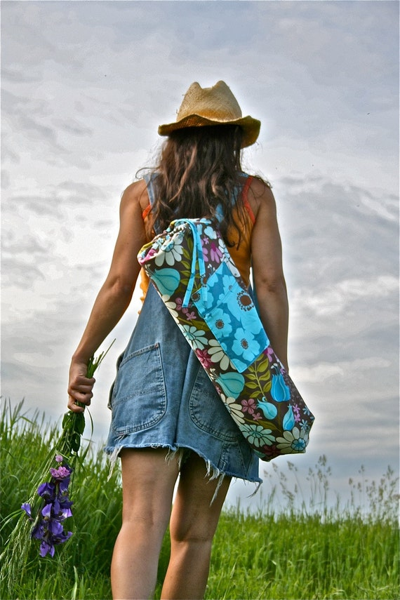 Field of Flowers Yoga Mat Bag with a Zipper Pocket