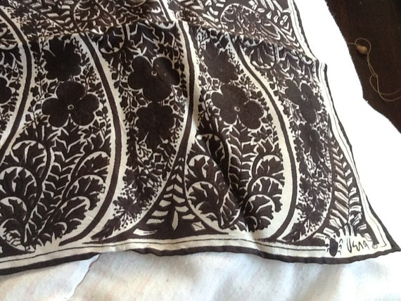 Vintage VERA NEUMANN Silk Scarf Black and White Graphic Pattern PAISLEY