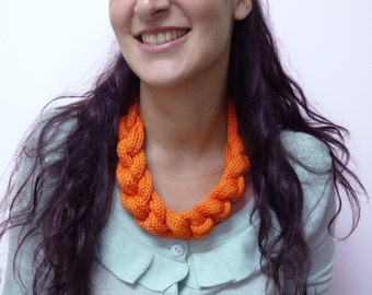 HALLAH necklace - ORANGE