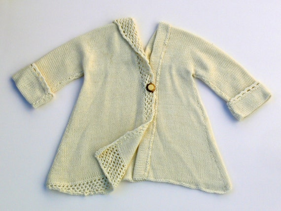 ON SALE Adorable vintage style baby girl cardigan