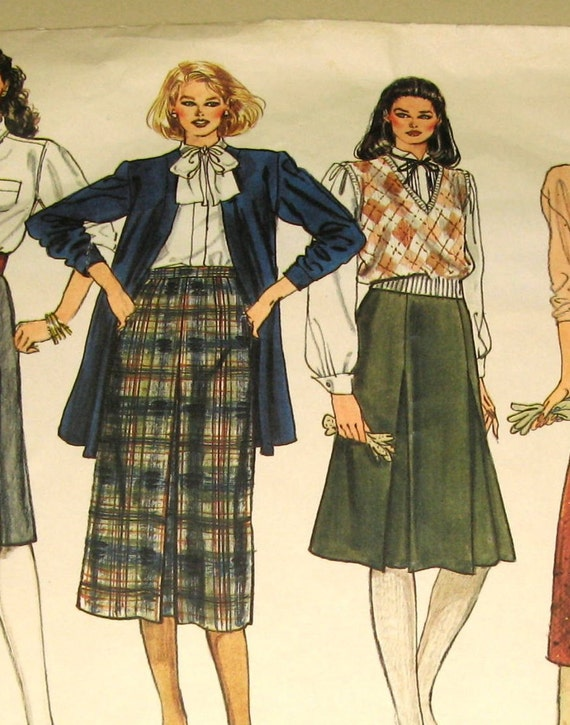 Vintage Late 70s/Early 80s UNCUT Vogue Sewing Pattern 1061 - Classy Pleated and Straight Skirts - size 14 waist 28