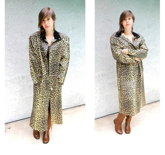 Rainy Day Pinup - Vintage 80s Leopard Print Raincoat with Black Corduroy Collar - Nagel Jungle Lady