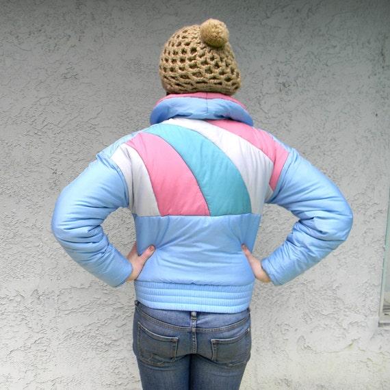 Rainbow Ski Bunny - Vintage 80s Pink/Blue/Teal/White Geometric Striped Puffer Ski/Snow Jacket Winter Coat - S/M