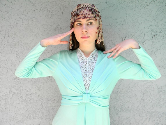 Disco Dress - Vintage 70s Mint Green Maxi Dress w/ Rhinestone Neckline Inlay - Mermaid Diva Prom Queen Gown - Medium M