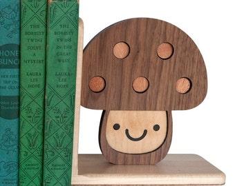 Woodland Mushroom Toadstool Bookend (1)