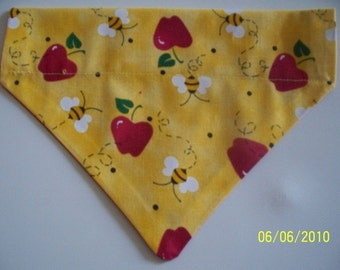 Dog/Cat/Ferret-Reversible 2 in 1 Over the Collar Bandana Yellow Bumble Bees with Red Apples//Custom made just for YOU and your pet