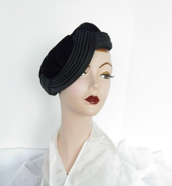1960s tilt, pillbox hat, vintage Norman Durand, 60s velvet and satin