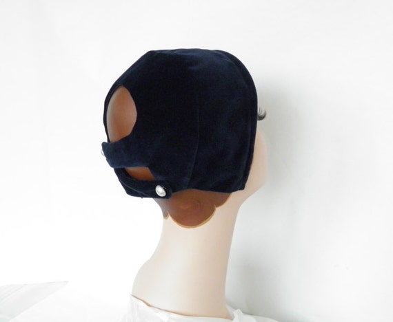 Vintage 1950s hat,  bonnet cap, blue velvet with open back