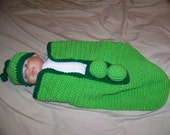 Pea in the Pod Cocoon and Hat Set