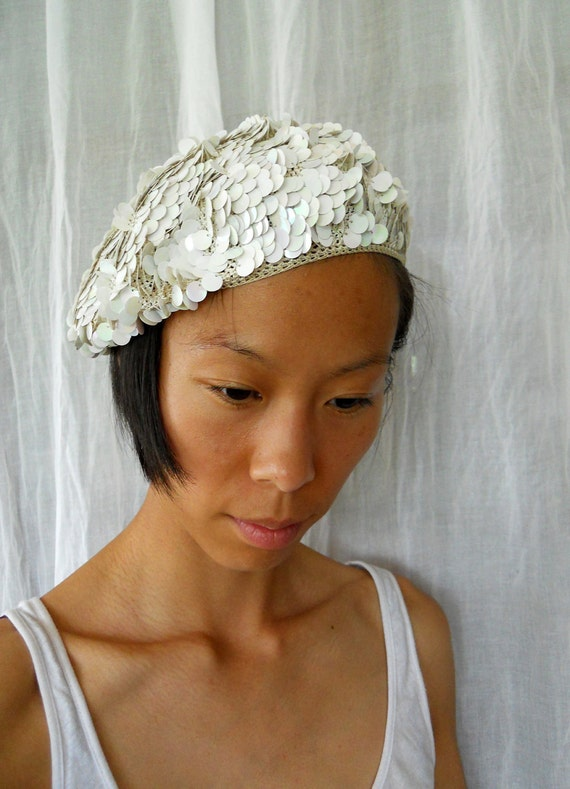50s / 60s White Beret with Sequins