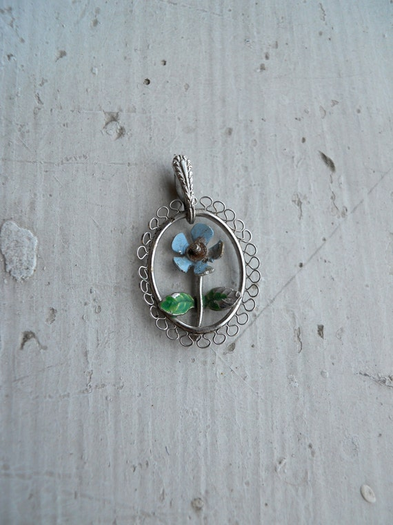 1950s / 1960s Dainty Painted Forget-Me-Not Pendant