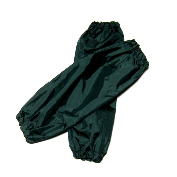dog leg protectors, pee pants, leggings size large dark green