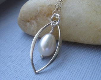 Silver pearl necklace - wedding - bridal jewelry - bridesmaid gift